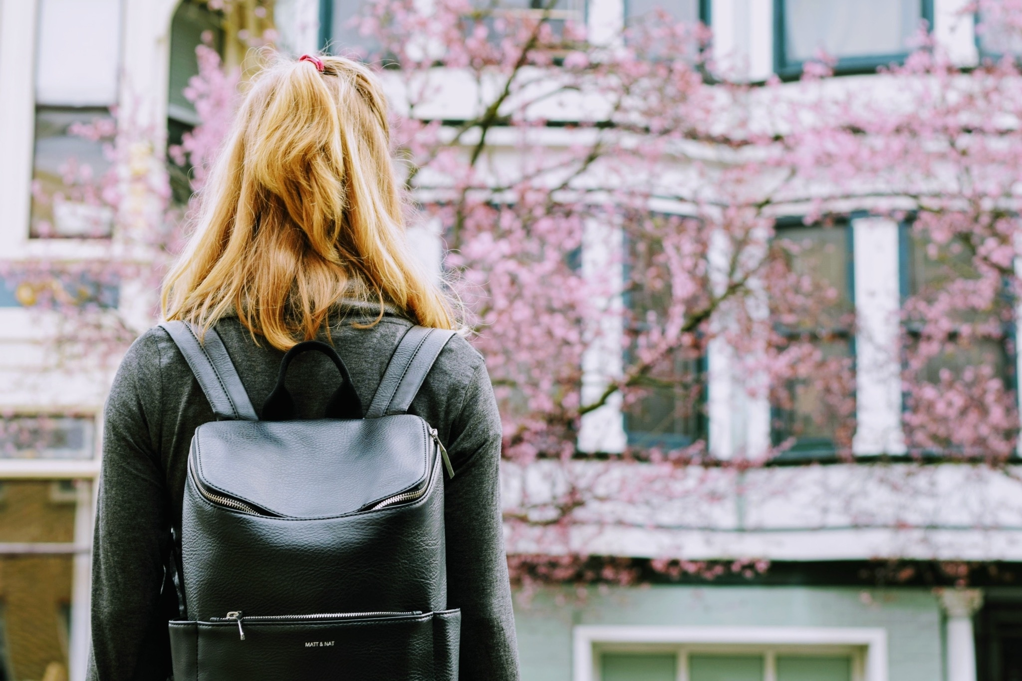 12 Stylish Women's Travel Backpacks with Anti-Theft Features