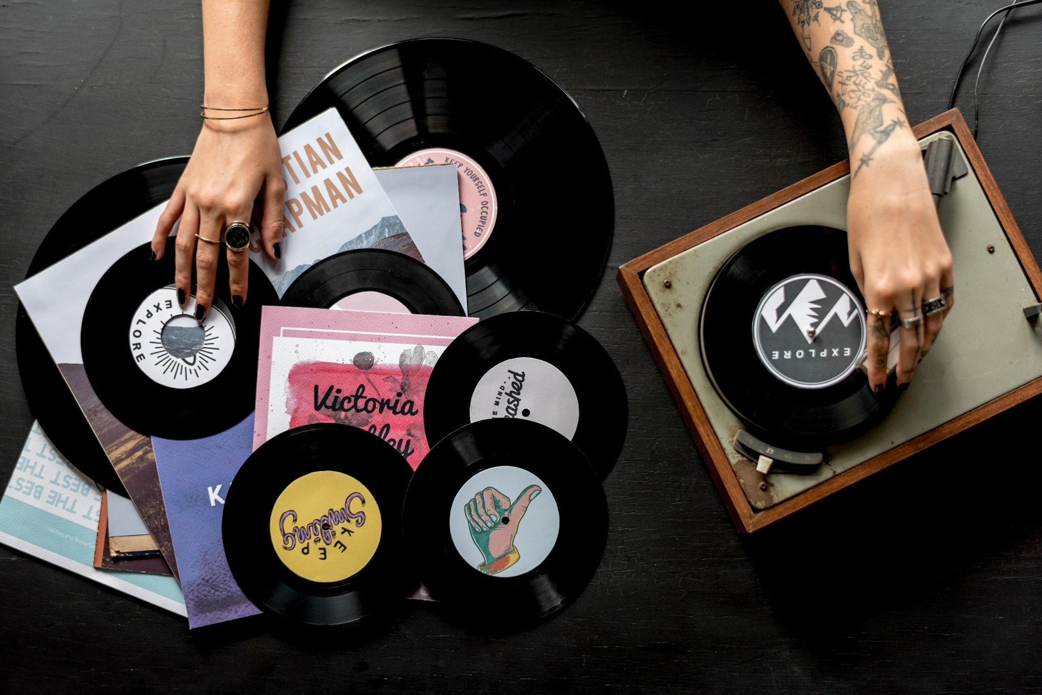 10 Awesome Vinyl Subscription Boxes for Serious Audiophiles