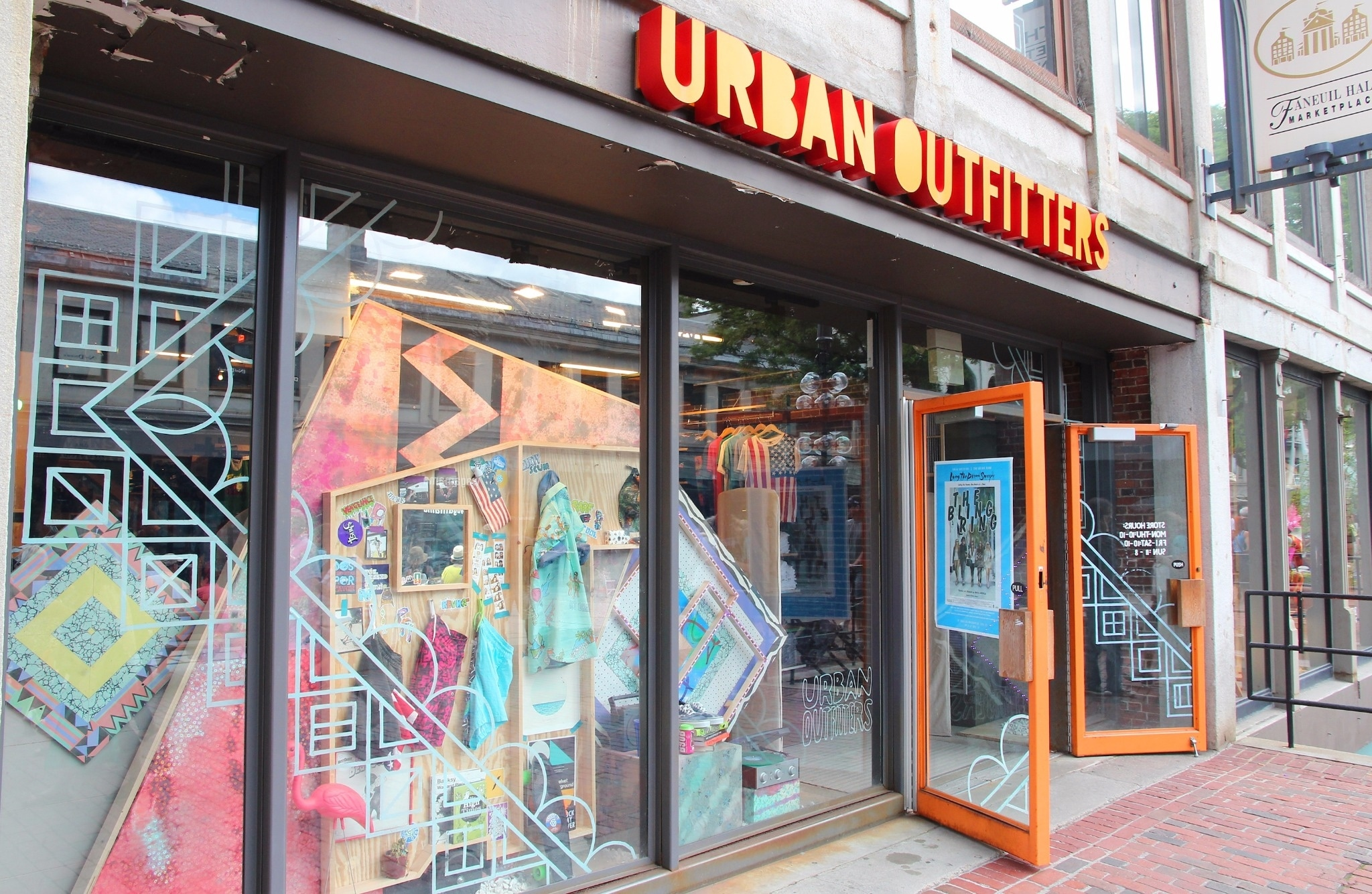 Focus on 3 to 5 home trends that you see emerging for the Urban Outfitters customer and Brand for Fall Are you interested in an internship in Philly with Are you interested in an internship in Philly with.