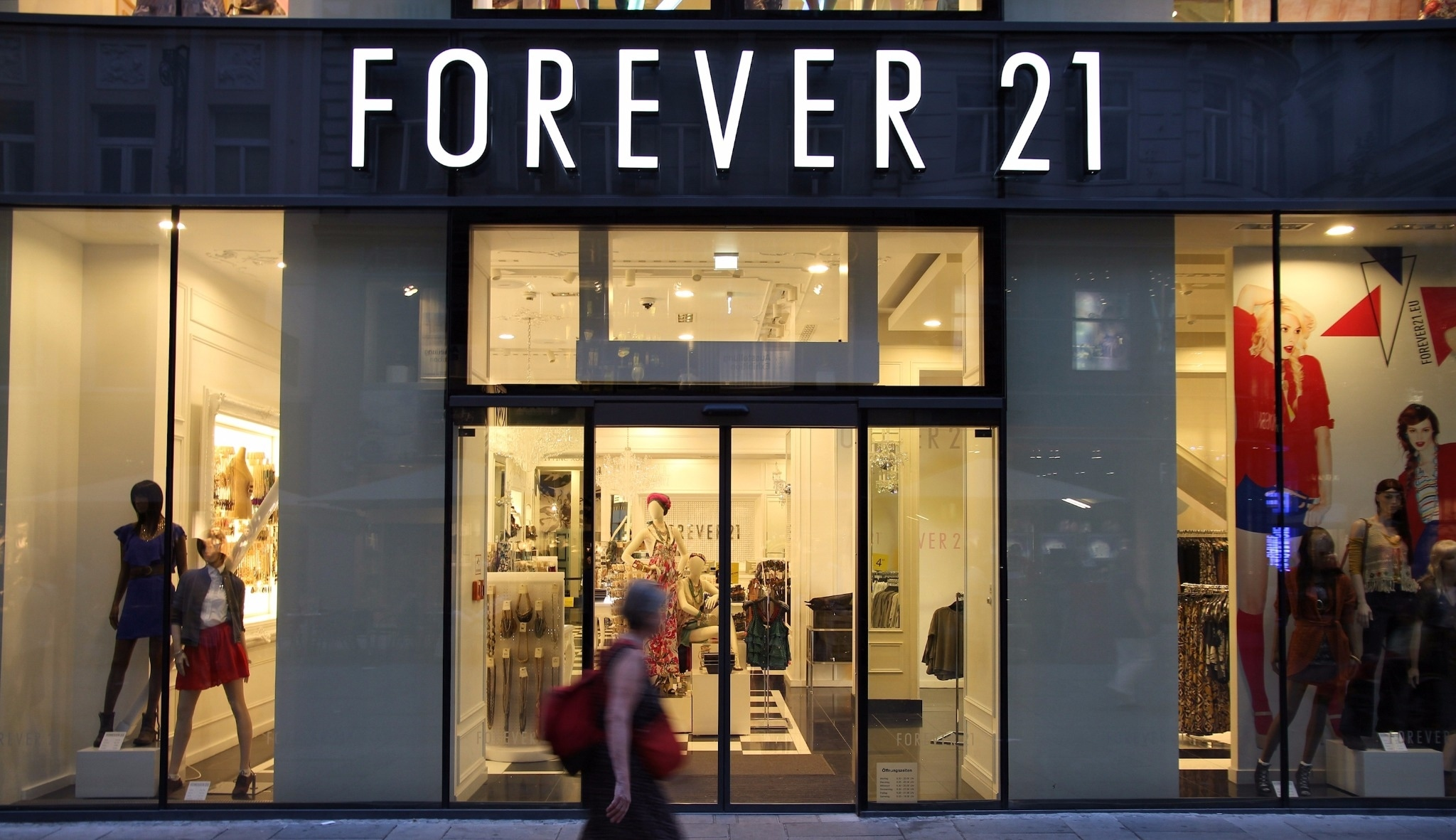 Top 10 Ways to Save Money at Forever 21 [INFOGRAPHIC]