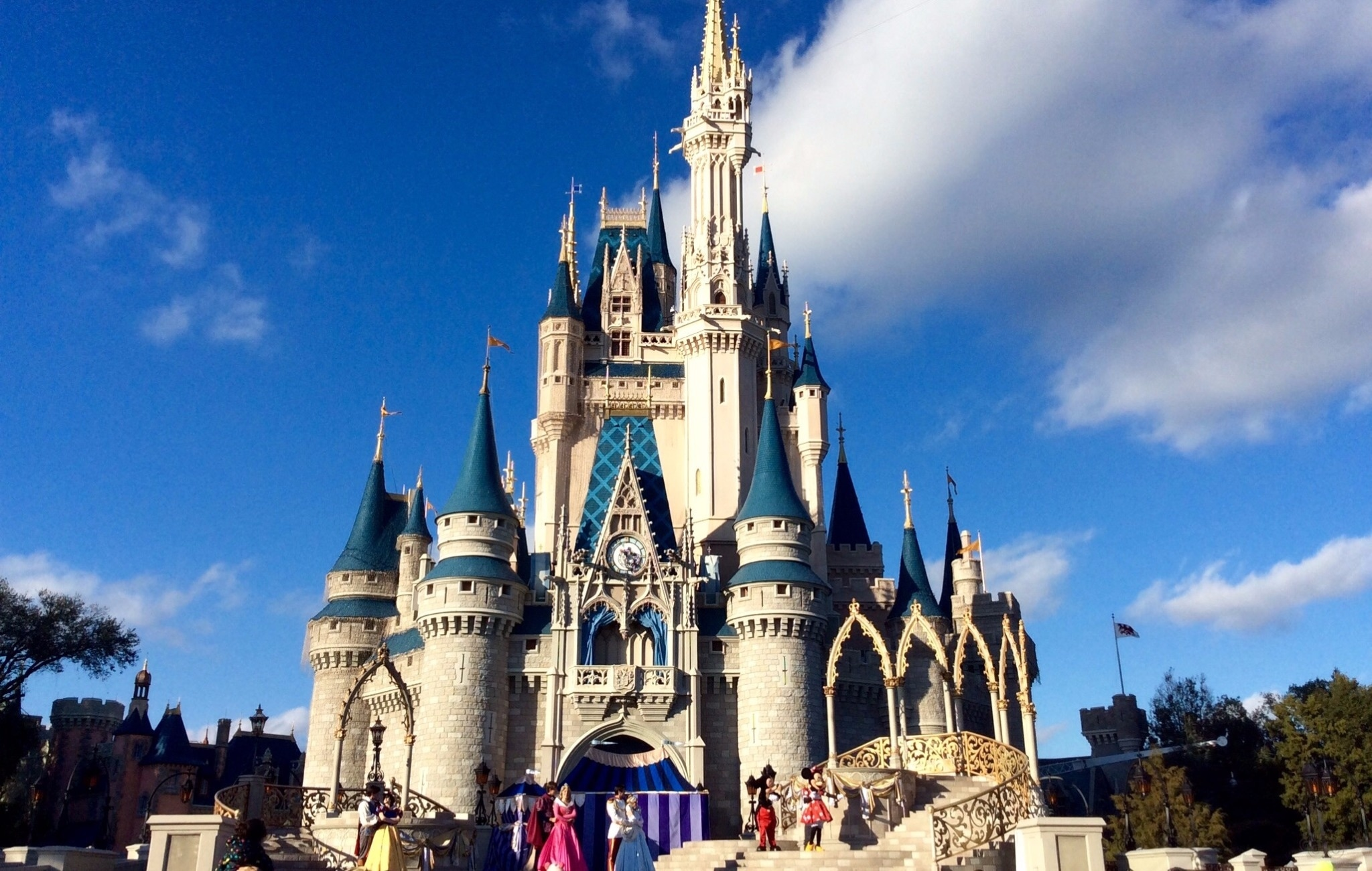 How to Go to Disney World Without Spending a Fortune