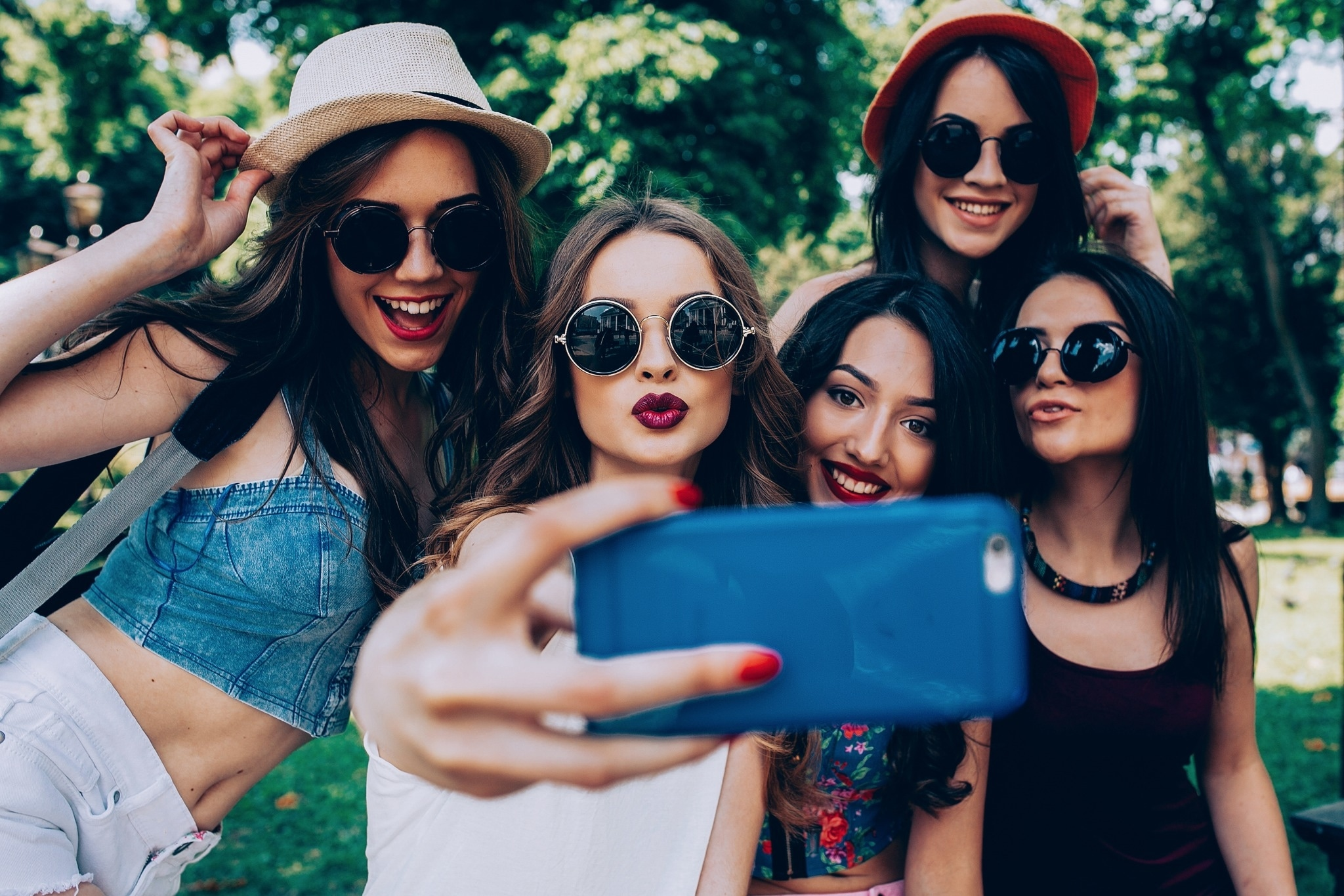 How Sperry, Glossier and MVMT are Succeeding with Micro-Influencer Marketing